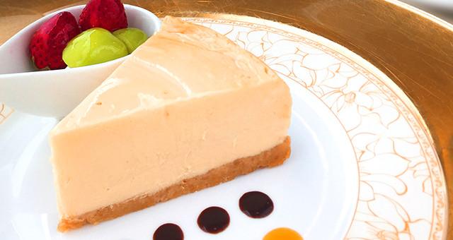 ・焼き上げてから、48時間熟成。・北海道産ナチュラルクリームチーズや甜菜糖などを、贅沢に使用。・リッチで濃厚な味わいと生チョコ  のようななめらかさ。